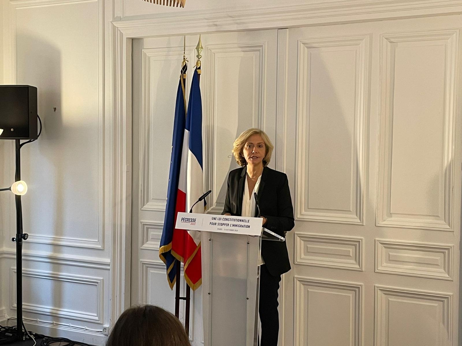 Valérie Pécresse présente son projet de loi constitutionnelle pour stopper l'immigration incontrôlée